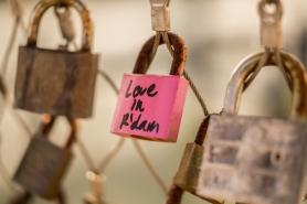 love-bridge-pink-lock
